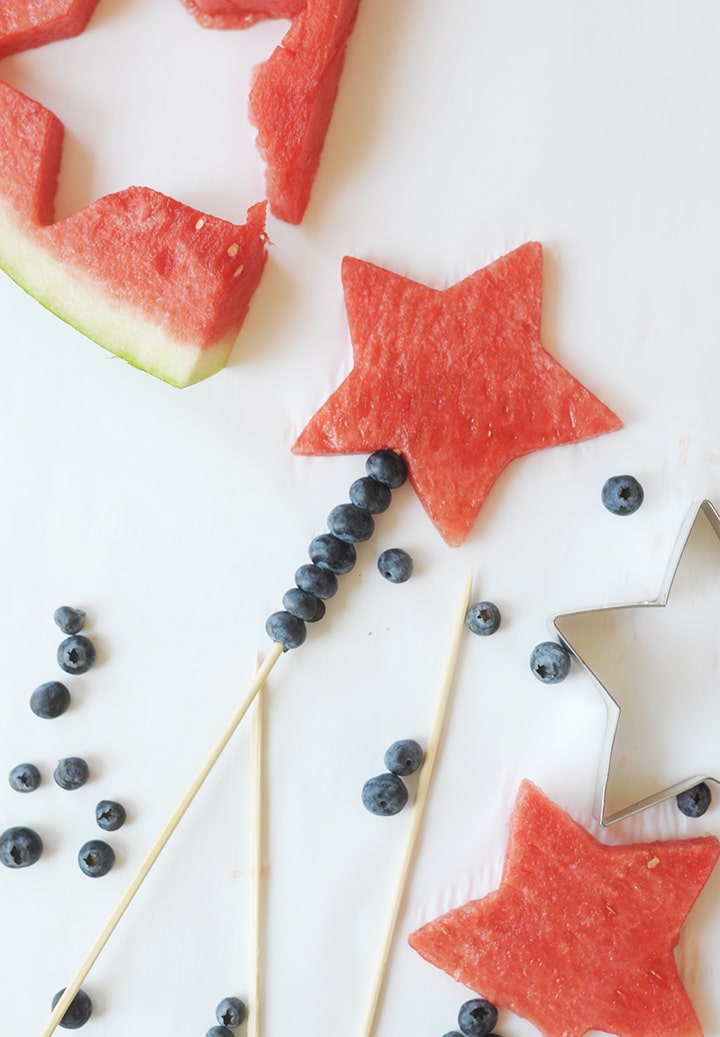Make these fun Fourth of July Watermelon Wands for the kids this July 4!