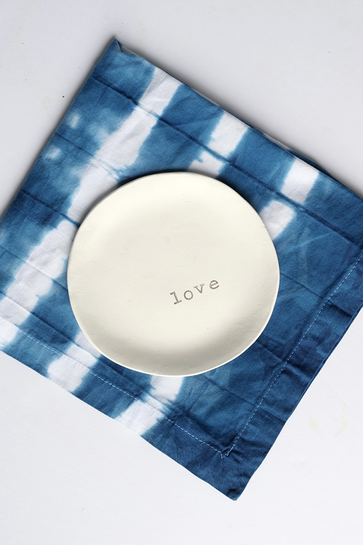 diy-shibori-indigo-cloth-napkings-9