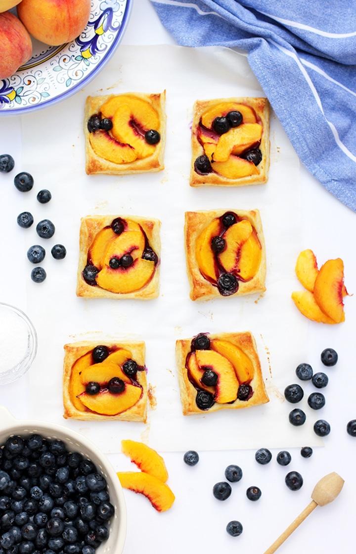 The easiest and yummiest Peach Tart Recipe to make!