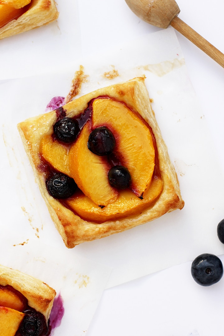The best Easy Peach Tart Recipe to try!