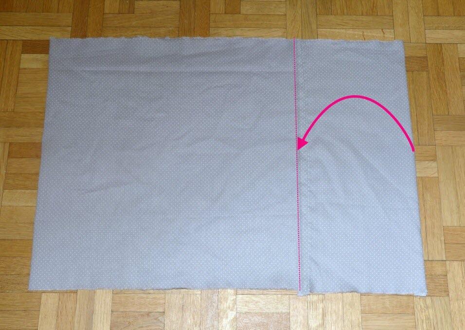 9 epinglez en haut et en bas toujours perpendiculairement au tissu