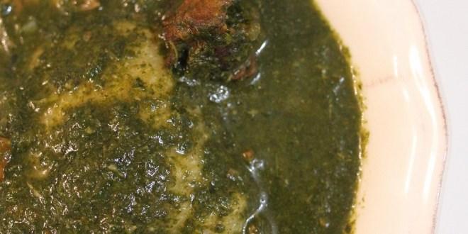 Sauce de feuilles de gombo au porc fumé (Kelen Kelen)