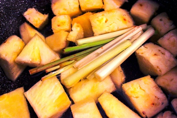 jus d'ananas à la citronnelle