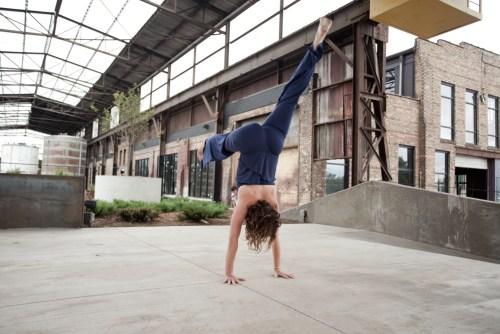 Ali Bauhaus Handstand