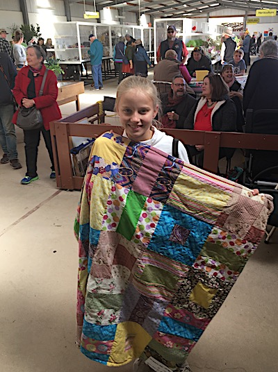 2557 show quilter girl