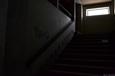 Teatro Rivoli | Valdagno (VI - Italia) : particolare scalinate ingresso