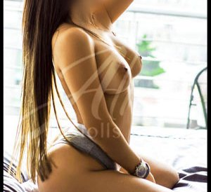 MONIQUE-Escort-en-MTY venezolana Una mujer que te hará disfrutar de la compañía de una chica con un cuerpo de escándalo