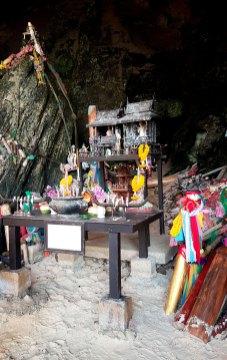 phra-nang-cave-2