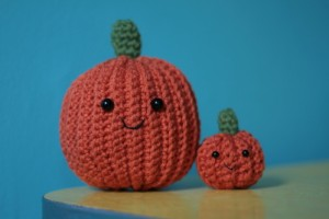 Alicia 03 has created some adorable pumpkin knits!