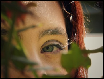 Miriam - Blanco - Hiding in The Bushes - Sig - F