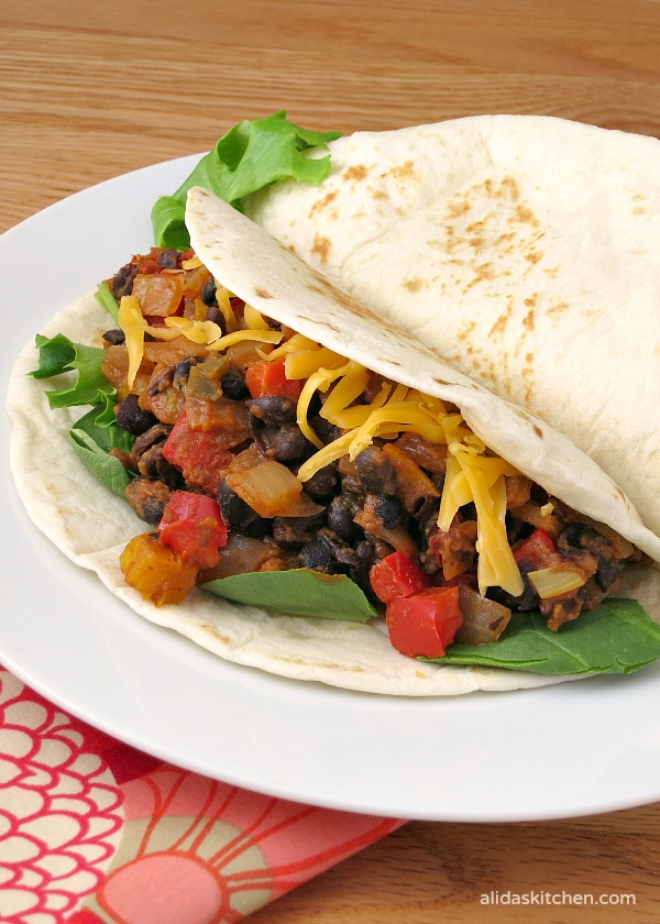 Chipotle Black Bean Tacos | alidaskitchen.com