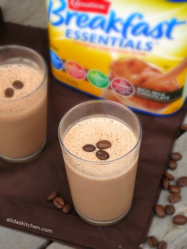 Mocha Smoothie   alidaskitchen.com #recipes #smoothie #BreakfastEssentials