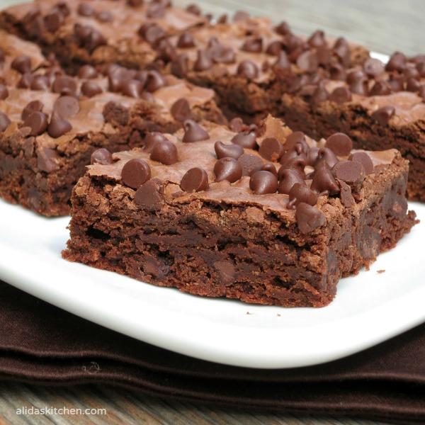 Olive Oil Fudge Brownies   easy made from scratch brownies made with heart healthy olive oil #PantryInsiders
