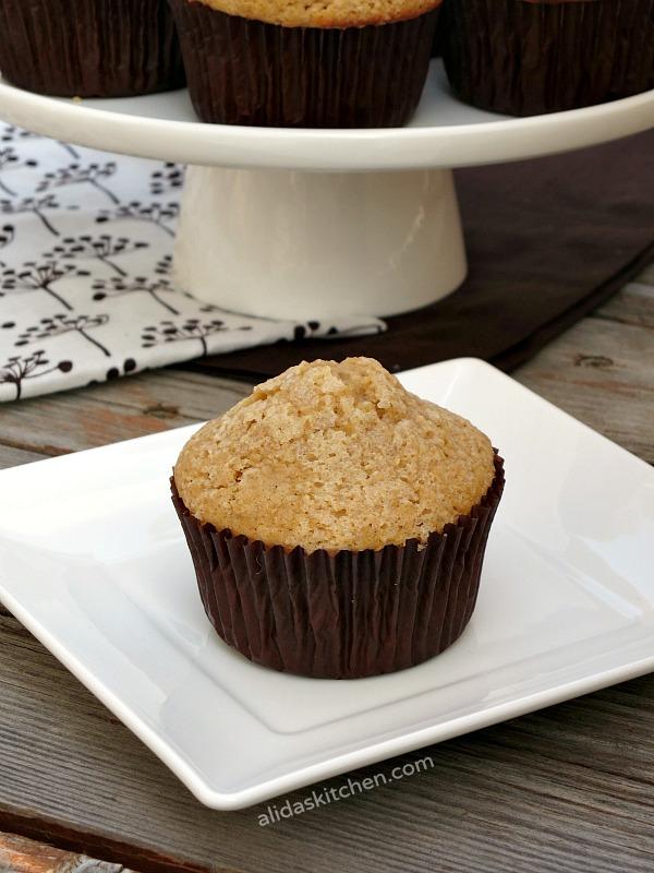 Classic Vanilla Muffins | alidaskitchen.com #recipes #muffins #takebackvanilla #cgc