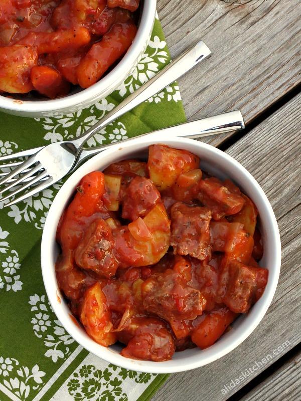 Pop-in-the-Oven Beef Stew | alidaskitchen.com #recipes #beef #SundaySupper