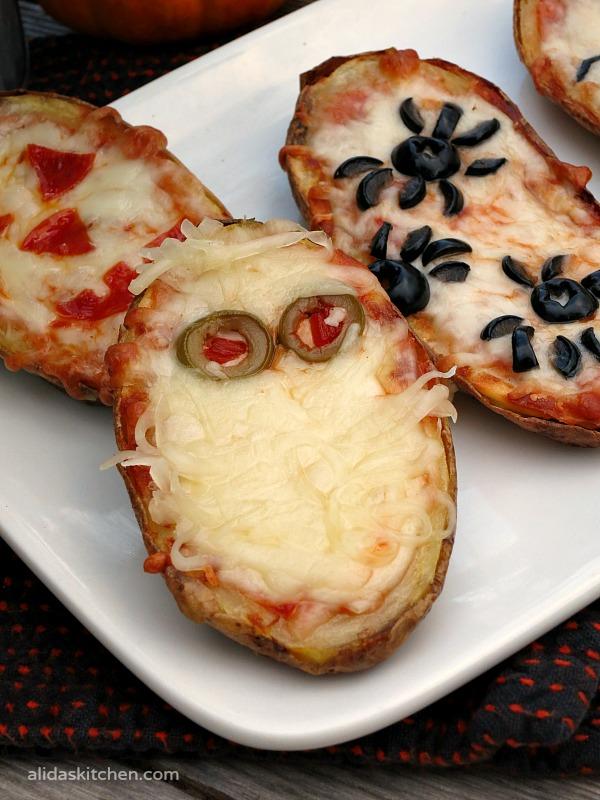 Halloween Baked Potato Skin Pizzas | alidaskitchen.com #recipes #SundaySupper