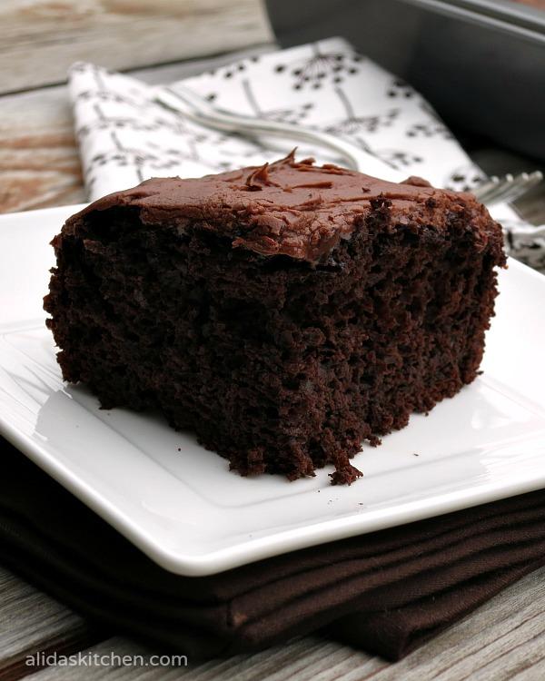 Heavenly Chocolate Cake   alidaskitchen.com #recipes