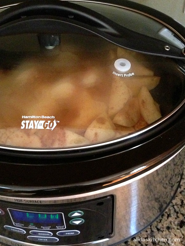 Slow Cooker Applesauce with No Added Sugar | alidaskitchen.com