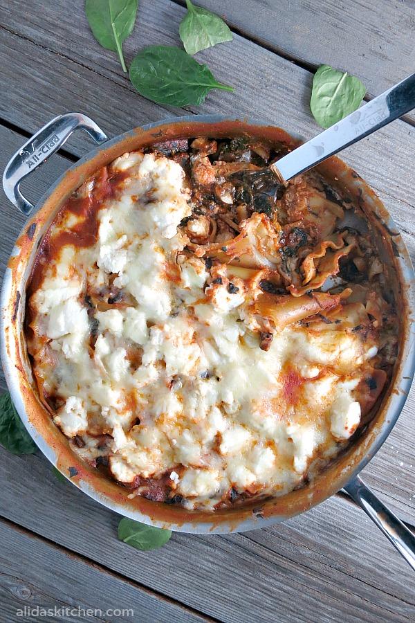 Spinach Mushroom Skillet Lasagna | alidaskitchen.com