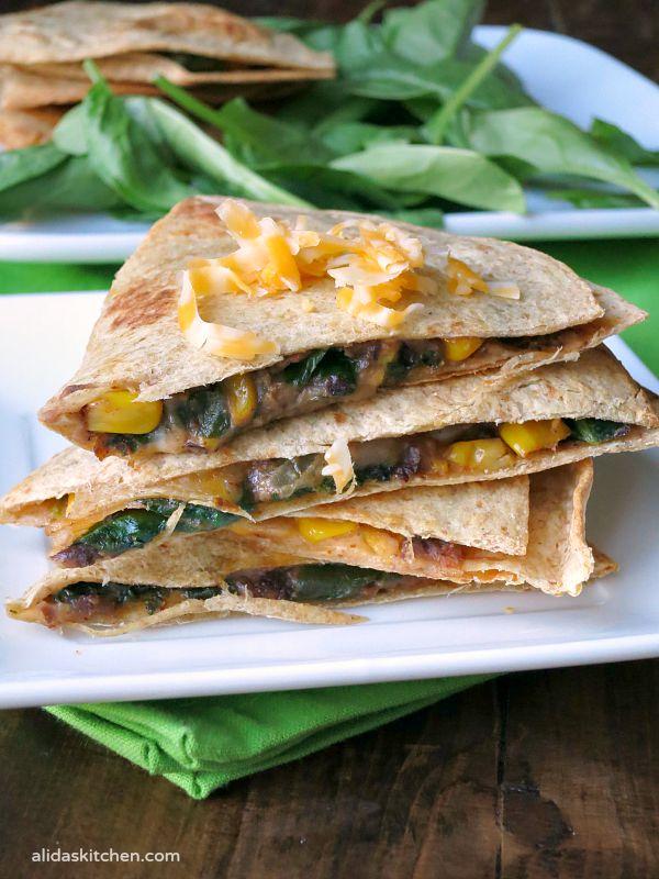 Black Bean Spinach Baked Quesadillas | alidaskitchen.com