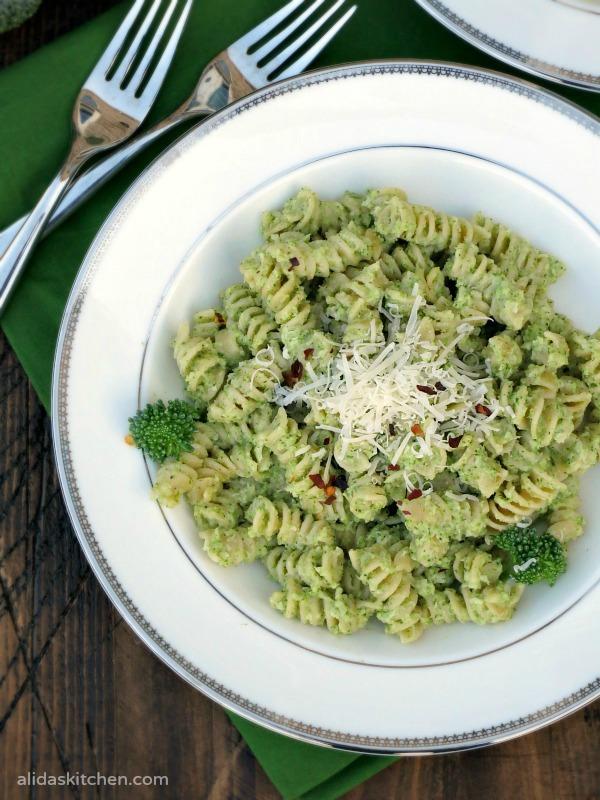 Broccoli Pesto Pasta | alidaskitchen.com