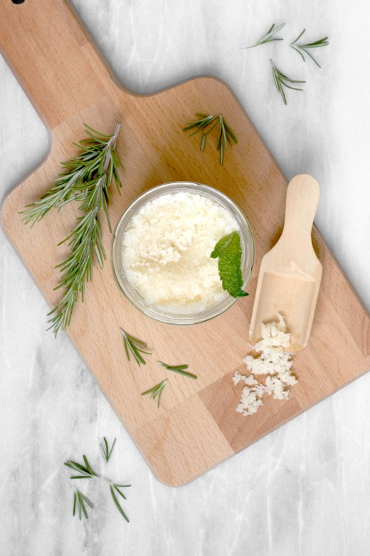This easy DIY rosemary peppermint sugar scrub with Japanese camellia oil is a nourishing, revitalizing treat for your skin. Rosemary and peppermint essential oils treat aches and pains and provide a soothing aromatherapeutic lift. Unlike low quality polyunsaturated oils like sunflower oil and sweet almond oil, camellia oil is made of mostly monounsaturated fats. Camellia oil is low-PUFA and non-greasy. #DIY #DIYBeauty #GreenBeauty