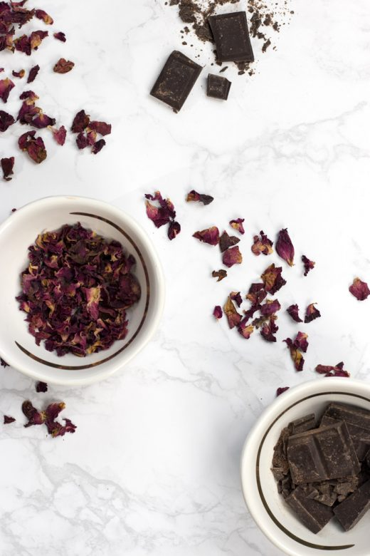 Rose petals and chocolate, a romantic and aromatic combination