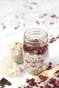 DIY bath tea with rose petals and essential oils