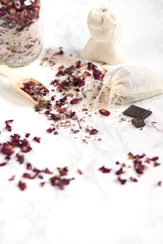 DIY tub tea with rose petals and cacao tea