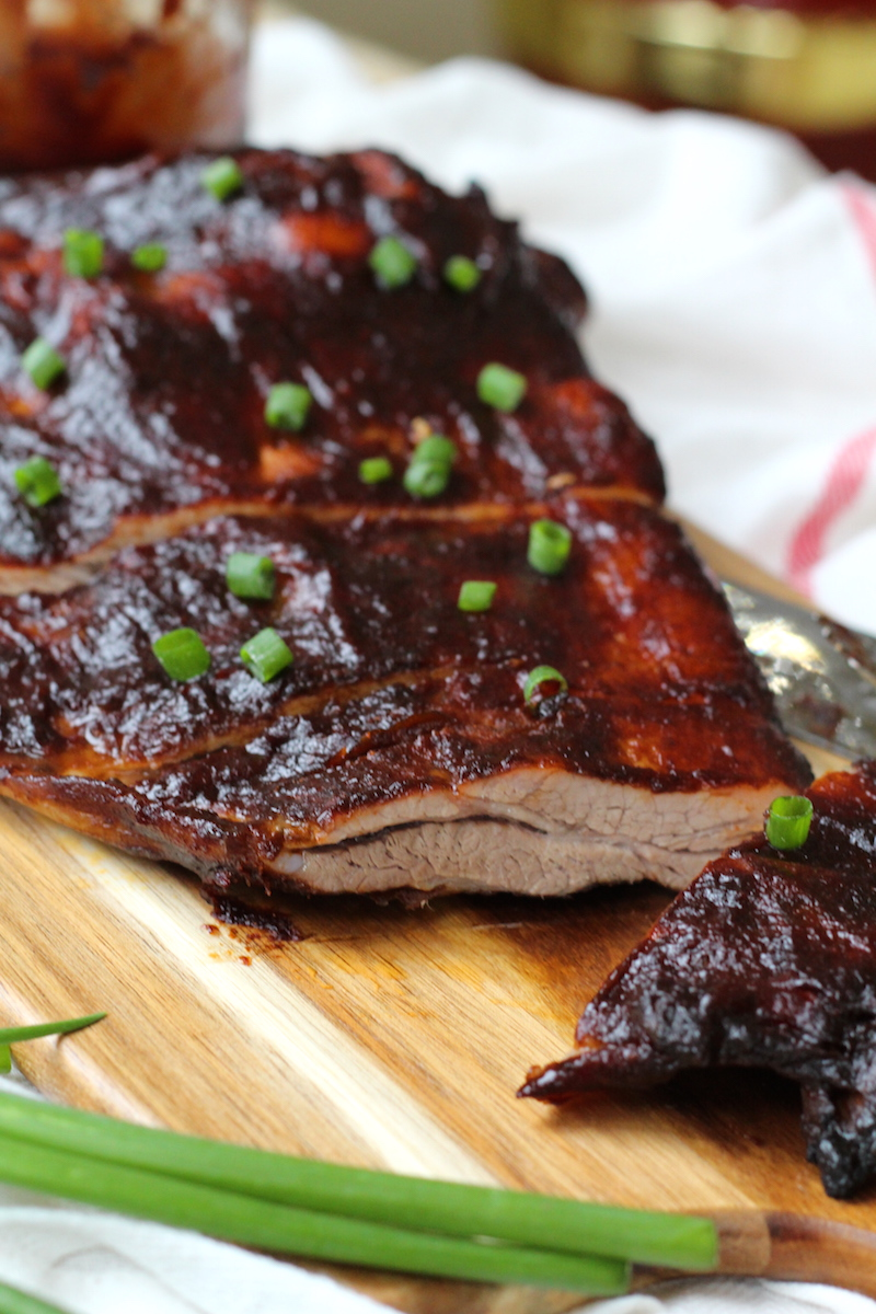These homemade barbecue ribs are ridiculously good and really simple two. You need three things and one of those is time. | www.alifeofgeekery.co.uk