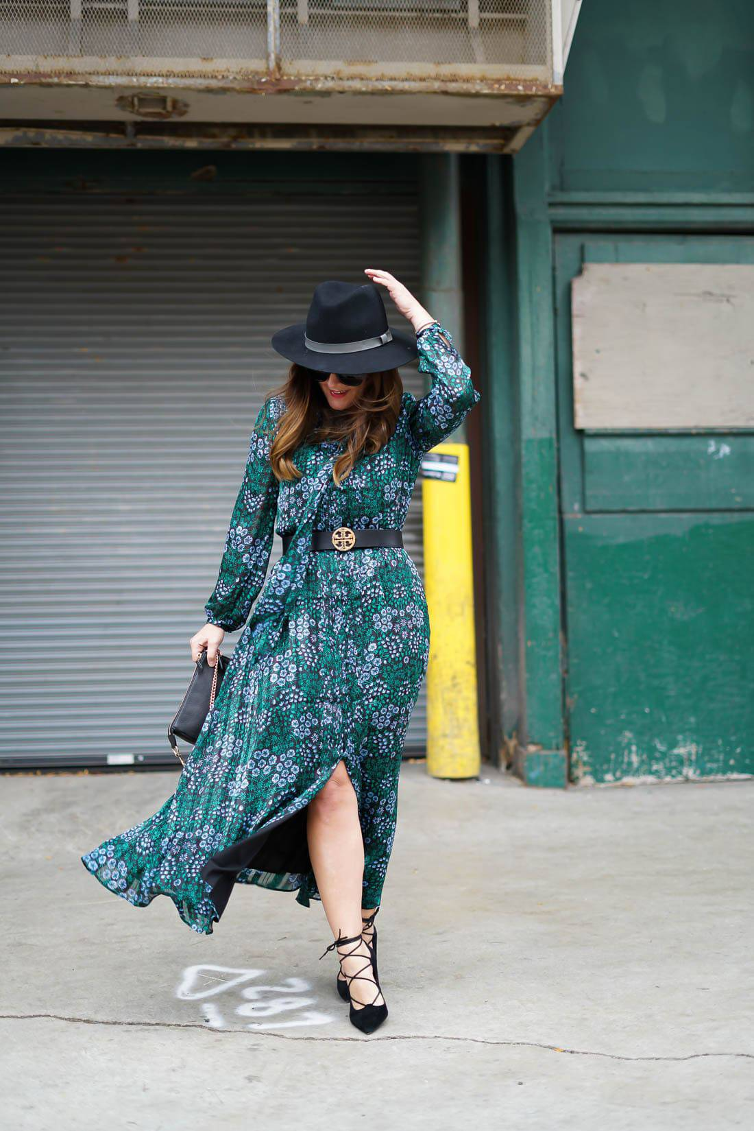 Banana Republic Floral Maxi Dress, Sole Society Lace-Up Heels, Sole Society Black Fedora, Tory Burch Reversable Belt, Chicago Blogger, Fall Style, Womens Fall Fashion, Miu Miu Sunglasses