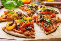 Recetas veraniegas saludables Pizza integral de vegetales
