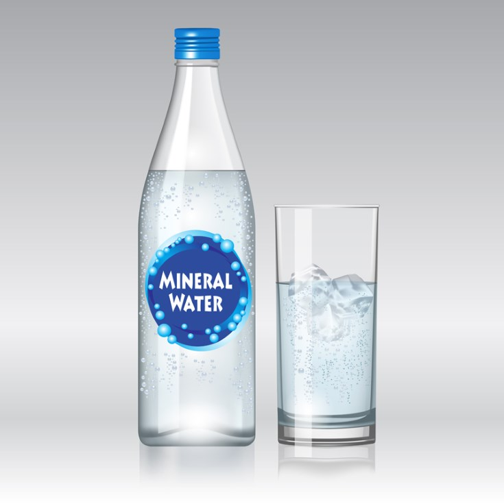 ¿El agua alcalina ayuda a bajar la presión arterial?