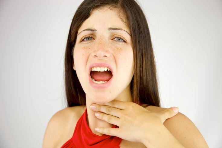 como+aliviar+el+dolor+de+garganta+por+gritar