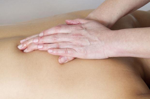 Acupuntura y masaje linfático para eliminar toxinas