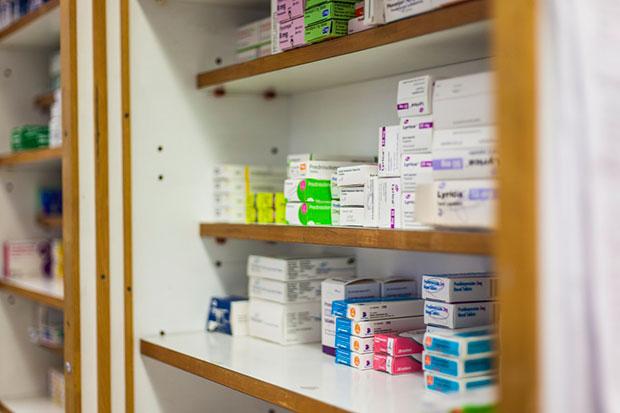 Guía de las diferencias entre medicamentos y suplementos alimenticios