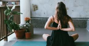 Posiciones básicas y fáciles para comenzar a practicar yoga