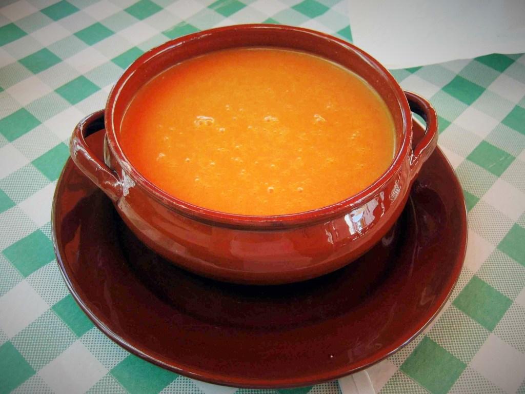 preparazione gazpacho andaluso salutare 3