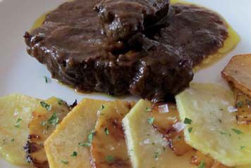 Carrillera de ternera de la montaña palentina estofada con patatas panadera