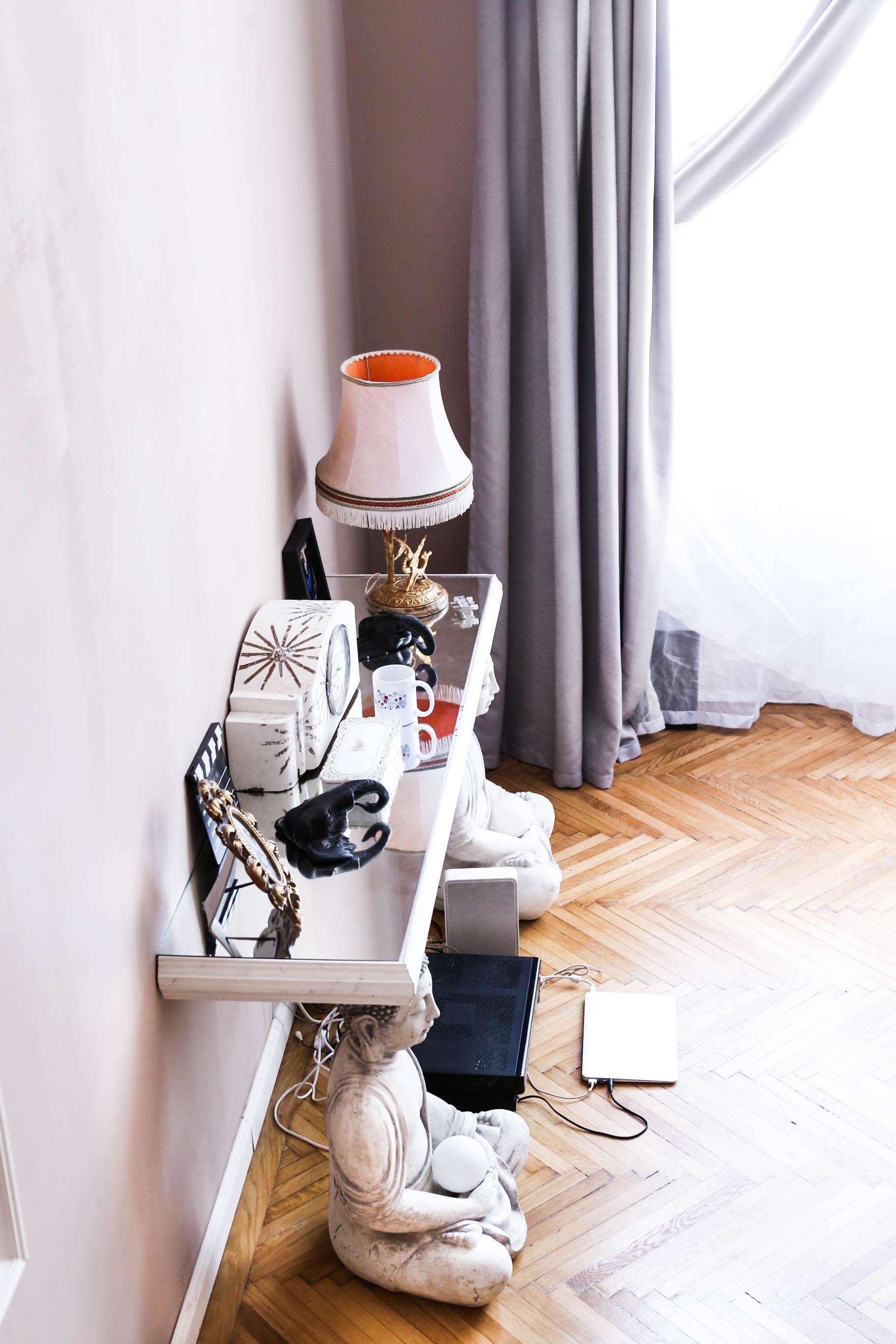 D E C O R – The bedroom story