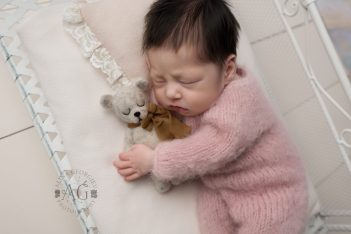 Plano-Newborn-Photographer-baby-brynlee00003