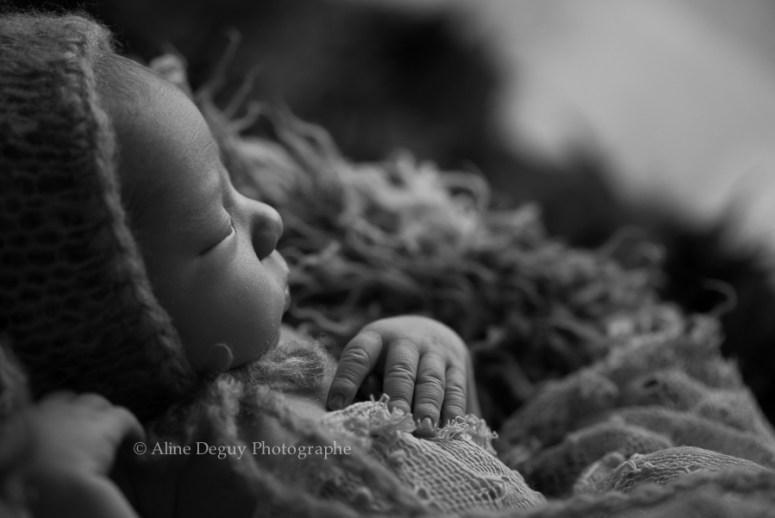 formation, photographe, bébé, studio, lumière naturelle, nouveau-né, newborn poing, France, Aline Deguy, Paris, 92, Hauts de Seine, Région Parisienne