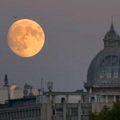 Cum fotografiezi luna?