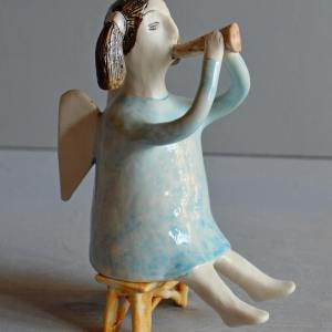 figurative-ceramics - angel-with-horn-blue-5