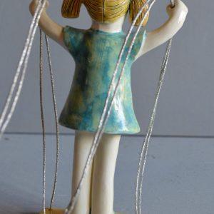figurative-ceramics - girl-on-swing-3