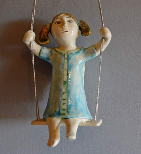 figurative-ceramics - swinging-angel