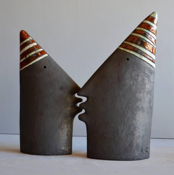 sculpture - Kiss-1