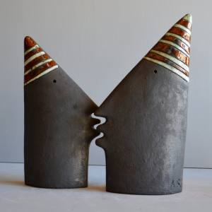 sculpture - Kiss-1