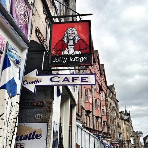 Jolly Judge, Hidden Letter in Edinburgh, AlisonChino.com