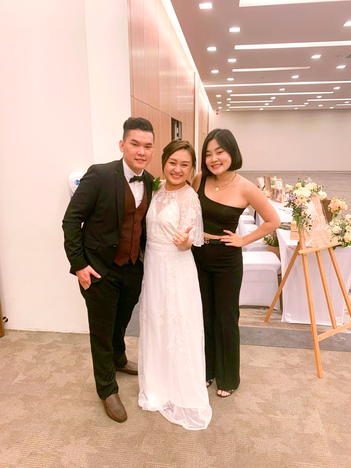 Changi Cove Wedding Singer Singing Live band Music emcee Singapore Best Review
